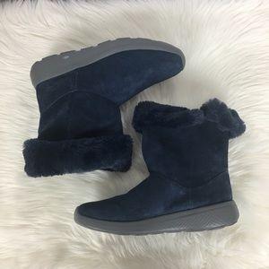 Skechers GoGa Mat Fur Boots Size 9.5.